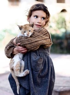 Faces of Morocco N Animals, Cute Animals, I Love Cats, Crazy Cats, Syrian Children, Arab Girls, Photographs Of People, People Of The World, Portrait Photo