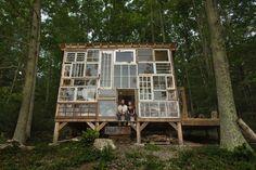 """La """"cabane de verre"""" ou l'art de construire la maison de ses rêves pour 500$"""