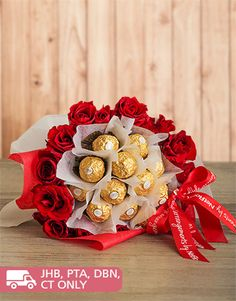 Valentines Day - Flowers: Red Roses and Ferrero Bouquet!