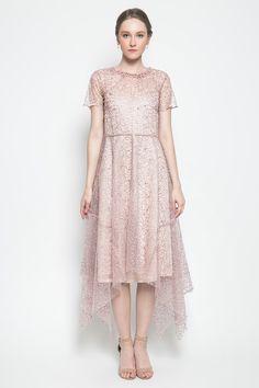 brocade dress with handkerchief hem skirt in lovely rose color Dress Brukat, Batik Dress, Lace Dress, Cute Formal Dresses, Simple Dresses, Elegant Dresses, Dress Brokat Modern, Kebaya Modern Dress, Girls Fashion Clothes