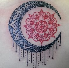 Henna sun/mandala moon and stars Future Tattoos, New Tattoos, Body Art Tattoos, Cool Tattoos, Tatoos, Tattoos Mandalas, Mandala Tattoo, 27 Tattoo, Piercing Tattoo