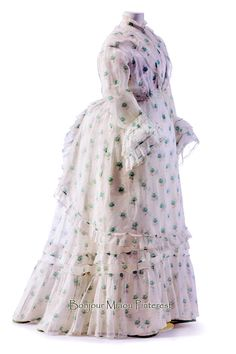 Summer dress, French, ca. 1872. White cotton batiste in small floral print, silk ribbon. Photo: Stephan Klonk. Art Library, National Museums of Berlin, via Europeana Fashion
