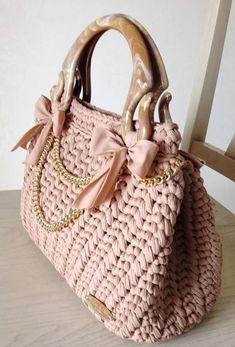 Marvelous Crochet A Shell Stitch Purse Bag Ideas. Wonderful Crochet A Shell Stitch Purse Bag Ideas. Crochet Wallet, Crochet Tote, Crochet Handbags, Crochet Purses, Diy Crochet, Mode Crochet, Crochet Shell Stitch, My Bags, Purses And Bags