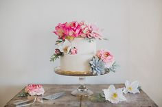 DIY Boho Cake with Afloral silk flowers