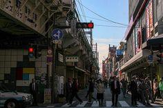 https://flic.kr/p/CXQRSr | 동네를 돌아보는 방법 : How overlooking the neighborhood 2 | 이른 아침에 분주하게 출근하는 모습을 보는 곳이지만 과거에는 퇴근자들과 함께 부산하게 움직이는 모습을 더 많이 본 추억이 있어서 그런지 묘하게 다른 느낌을 받게됩니다.