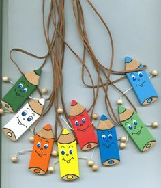 Přívěsek na krk Pastelka - ručně malovaná Hobbies And Crafts, Diy And Crafts, Crafts For Kids, Arts And Crafts, Paper Crafts, Preschool Art, Preschool Activities, School Displays, 1st Day Of School