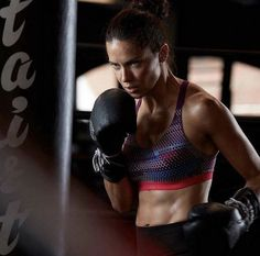 Victoria's secret sport Adriana Lima. Victoria Secret Sport, Victoria Secret Fashion Show, Adriana Lima Boxing, Adriana Lima Workout, Kids Sports, Sports Women, Sport Fashion, Look Fashion, Kickboxing Workout