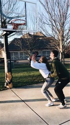 Vsco - emmakateschaaf wanting a boyfriend, future boyfriend, boyfriend goals, cute couple pictures Wanting A Boyfriend, Boyfriend Goals, Future Boyfriend, Short Girlfriend, Couple Goals Relationships, Relationship Goals Pictures, Basketball Relationship Goals, Couple Relationship, Basketball Couples