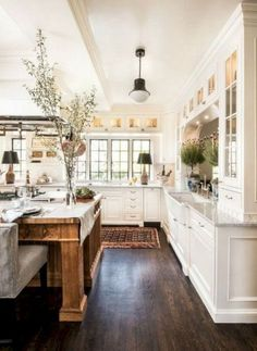 Incredible elegant white kitchen design ideas for a modern home - home acces. - Deco&co. - Incredible elegant white kitchen design ideas for a modern home – home accessories – super - Country Kitchen Designs, French Country Kitchens, French Country Decorating, Modern Farmhouse Kitchens, Rustic White Kitchens, Coastal Kitchens, Diy Kitchens, Home Decor Kitchen, Rustic Kitchen