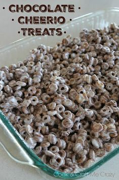 Take a look at this 3 ingredient no bake dessert! Okay, I'm listening.made just like the famous Rice Krispie Treats - but with Chocolat. Cheerio Treats, Cereal Treats, Rice Krispie Treats, Snack Mix Recipes, Appetizer Recipes, Snack Mixes, Appetizers, Yummy Recipes, Sweet Recipes