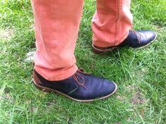 Zapato negro suela beige