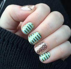 Mint Green & Gold Horizontal Pinstripe matched up with Gold Fishnet. Get your sets to mix and match here: karaodell.jamberrynails.net