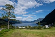 Lofthus, Hardangervidda: Wandern am Sorfjord, Husedalen: Wanderung zu den vier Wasserfällen