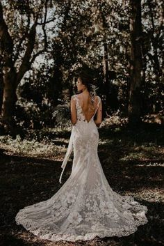 Most brides dream about beautiful and original wedding dress. Bohemian wedding dress will be an ideal variant for you. Earthy Wedding Dresses, Romantic Wedding Hair, Wedding Dresses Photos, Gorgeous Wedding Dress, Princess Wedding Dresses, Wedding Poses, Dream Wedding Dresses, Wedding Veils, Beautiful Bride