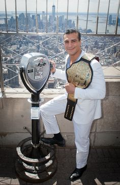 April 2, 2013: In anticipation of Sunday's @WWE #WrestleMania XXIX, we welcomed the reigning #WWE World Heavyweight Champion, #AlbertoDelRio, to the 86th floor. #WM29 #WrestleMania29 #celebrity #NYC #wrestling