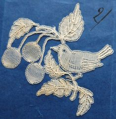 Antique/vintage Honiton lace motif - bird and berries - Mrs Treadwin?
