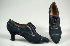 The Oxfords shoes came about during this time. They began as low laced shoes worn buh students at Oxford University. They have lacing on the vamp instead of the quarters. The perforated edges is what really makes them looks like a true 'Oxford'.