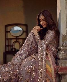 Mehndi dresses ideas for Pakistani wedding – The Odd Onee Bridal Mehndi Dresses, Pakistani Formal Dresses, Shadi Dresses, Pakistani Wedding Outfits, Pakistani Bridal Dresses, Pakistani Wedding Dresses, Bridal Outfits, Indian Dresses, Indian Suits