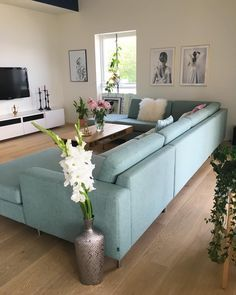 Home Decorating Tips On A Budget Living Room, Furniture, Room, Interior, Indian Living Rooms, Sectional Couch, Retro Interior, Indian Living Room Design, Bedroom Decor