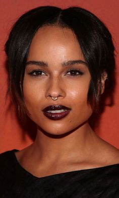 FASHION FIX CELEBRITY BLOG STYLE BEAUTY GET THE LOOK ZOE KRAVITZ EAR CUFF EARRING GOLD STUD EARRING NOSE RING SEPTUM PEIRCING EYELINER DARK ...