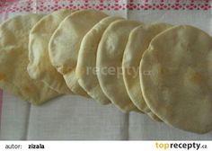 Pita chleby 500 g hladké mouky g můžete nahradit celozrnnou) 300 ml vody Bread Recipes, Cooking Recipes, Healthy Recipes, Czech Recipes, Ethnic Recipes, Pita, Flatbread Pizza, Bread Baking, Ciabatta