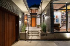 Midcentury Inspired New Built In Forest Hills, Dallas - Mid Century Home