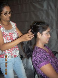 Charumathi is a professional makeup artist in Bangalore, India. Studio Makeover provides bridal makeup and makeup courses by experienced makeup artists. Get more info: www.studiomakeover.in/