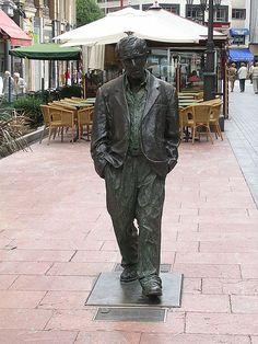 Life-size statue of Woody Allen in Oviedo, Spain.