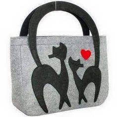 Women's handbag Shoulder bags Cat bag Felt bags Hit the streets in style by carrying this women felt bag with cat design. Exclusively designed for urban women, it will look great with all types of outfits. Cat purse Felt bag Source by volarishandbags Cat Purse, Cat Bag, Diy Sac, Travel Bags For Women, How To Make Handbags, Fabric Bags, Casual Bags, Handmade Bags, Large Bags