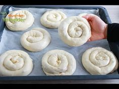 Its flavor is one of the pastry recipes that will make your mind wit .- Lezzeti aklınızı başınızı alacak hamur işi tariflerinden biri olan, okla… The flavor of the pastry that will blow your mind … - Mini Pastries, Homemade Pastries, New Cake, Pastry Recipes, Croissants, Doughnut, Food And Drink, Favorite Recipes, Make It Yourself