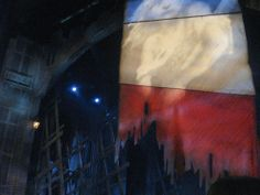 Using a simple blue white and red lighting to create the French flag that comes out when the fight ends.