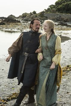 Oh please, S7 ~ more Bronn, please!!! I love the Bronn character; such a mischevious cad, and definitely the guy you want on your side in a fight. Jerome Flynn as Bronn and Elizabeth Cadwallader as Lollys Stokeworth