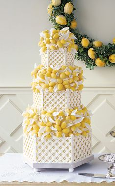 Sylvia Weinstock Cakes created this white lattice and yellow lemons cake.