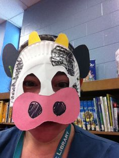 In the Children's Room: Theme Thursday: Down on the Farm cow mask craft paperplate