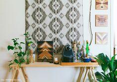 Cantinho do café: 50 fotos que deixarão os amantes de café fascinados Coffee Places, Small Apartments, Decoration, Feng Shui, Boho Decor, Beautiful Homes, Sweet Home, Bedroom Decor, House Design