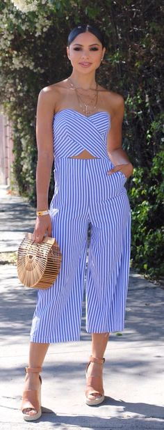 #spring #outfits  woman in white and blue stripe dress. Pic by @dianachantel