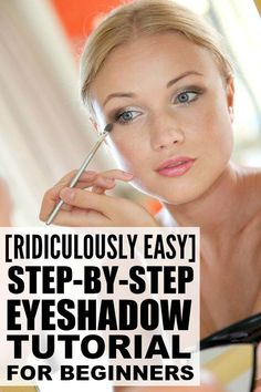 If you love makeup, but have never been able to figure out how to apply eyeshadow properly, this step by step eye makeup tutorial is for you. This look is perfect for everyday and can also be dressed up for evenings out with the gals, and I love how easy Prom Makeup Looks, Fall Makeup Looks, Winter Makeup, Love Makeup, Makeup Box, Hair Makeup, Makeup Tricks, Eye Makeup Tips, Smokey Eye Makeup