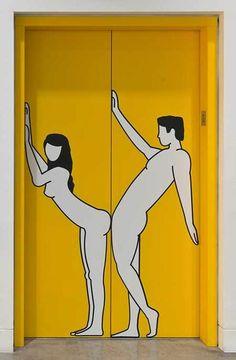 Alle reden von Glück - und Stefan Sagmeister setzt es um. Ab nächster Woche ist das im MAK Museum in Wien zu sehen - und da sollte man unbedingt hin. Na ja, nicht alle machte Stefan Sagmeister in letzter Zeit glücklich. Die erneuten Nacktfotos mit seiner Geschäftspartnerin Jessica Walsh und diesmal auch jeder Menge Kakerlaken...