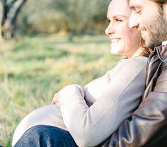 Babybauch Fotos im Olivenhain