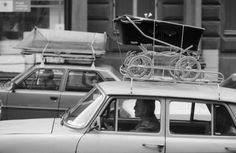 Kniha fotografií Osmdesátky ukazuje tuhle dobu bez iluzí a pozlátka | Kultura