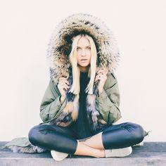 """""""WeLoveParka - Fendi Design #fashionblogger #fashionblogger_de #blogger_de #blogger #outfit #mylook #ninasuess #parka #fur #furparka #weloveparka…"""""""