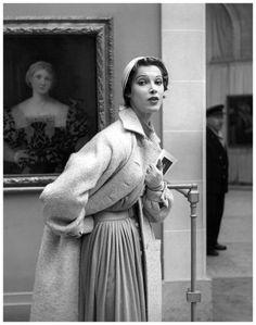 Jean Patou P/E 1954. Photo Georges Dambier. Mannequin Ann Farrar.