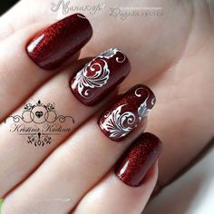 diy nails at home Fancy Nails, Trendy Nails, Cute Nails, Red Nail Designs, Beautiful Nail Designs, Nail Manicure, Diy Nails, Lines On Nails, Burgundy Nails
