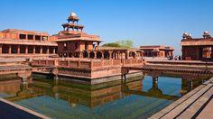 e Taj Mahal, classé patrimoine mondial de l'humanité, est connu pour sa beauté et son histoire passionnelle. Vous pourrez profiter du spectacle au lever ou au coucher du soleil, lorsque cet édifice passe du rose nacre au jaune or.Votre Voyage De Noces Au Rajasthan   Mon Voyage Inde