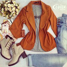 O blazer sempre é bem-vindo para criar um visual elegante.  #luizamodas #tendencia #moda #elegancia #beleza #bemestar #conforto #instafashion #instalove #conecteseuestilo