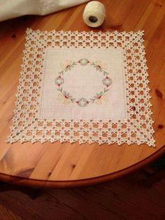 Resultado de imagen para toalhas de renda e linho