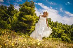 www.light-n-dark.com Light In The Dark, White Dress, Wedding Photography, Studio, Wedding Dresses, Fashion, Bride Dresses, Moda, Bridal Gowns