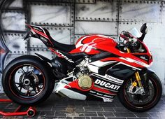 Awesome looking that we fitted decal kit to last week. Ducati Desmosedici Rr, Ducati 1299 Panigale, Ducati Superbike, Moto Ducati, Ducati Motorcycles, R1 Bike, Motorcycle Bike, Ducati Sport Classic, Custom Sport Bikes