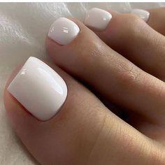 Toe Nails White, Gel Toe Nails, Acrylic Toe Nails, Pretty Toe Nails, Cute Toe Nails, Feet Nails, Pedicure Nails, Pretty Toes, Toe Nail Art