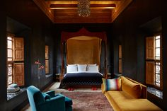 El Fenn | Marrakech, Morocco | Not sure where to travel in 2018? H&H editors share next-level design destinations to add to your travel Pinterest boards. From a boutique hotel in China's mountainous Yangshuo countryside to a must-visit cocktail destination in West Hollywood, you're sure to find dreamy spots to visit on your next getaway. Each vacation spot offers endless decorating and architectural inspiration. | Presented by National Bank | Photographer: Kasia Gatkowska